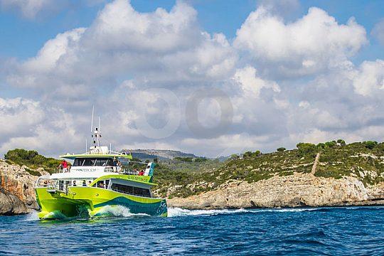 paseo en barco por la costa este