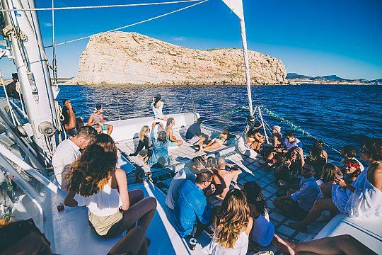 Excursión en catamarán por Ibiza