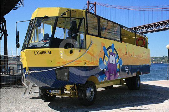 Servicio de autobuses anfibios en Lisboa