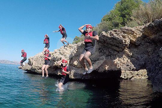 Salto de acantilados en el Cabo Pinar