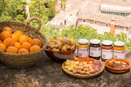 Buñuelos auf Mallorca essen