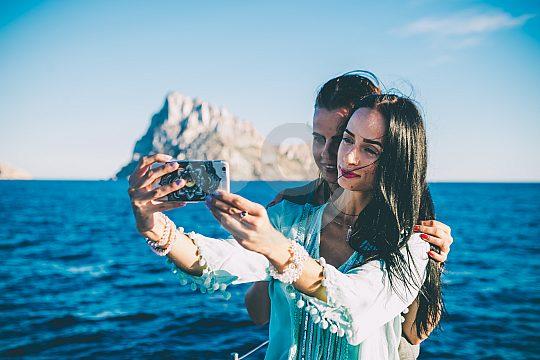 Excursión de un día en catamarán en Ibiza