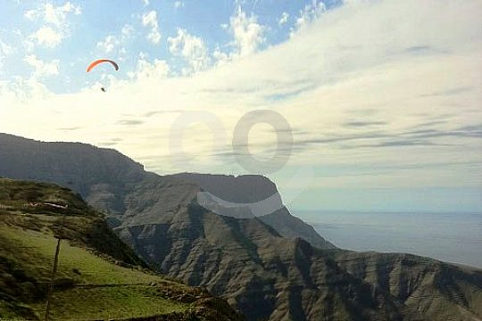 Gleitschirmflieger in Gran Canaria