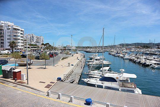Ibiza Stadt mit der Mallorca Fähre