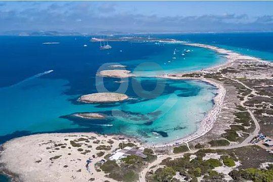 Komfortables Segelschiff für Tagestour um Formentera