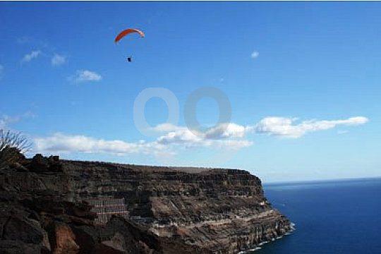 Paragliding über Gran Canarias Küste