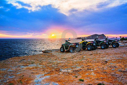 excursión en quad en Ibiza por la puesta de sol