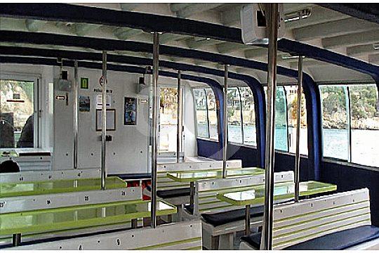 vista-interior-catamaran-excursion-mallorca