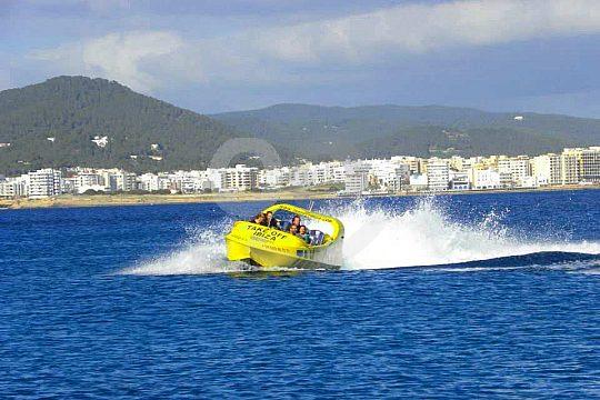a toda velocidad con el Jetboat en ibiza