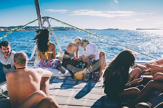 En catamarán por Ibiza
