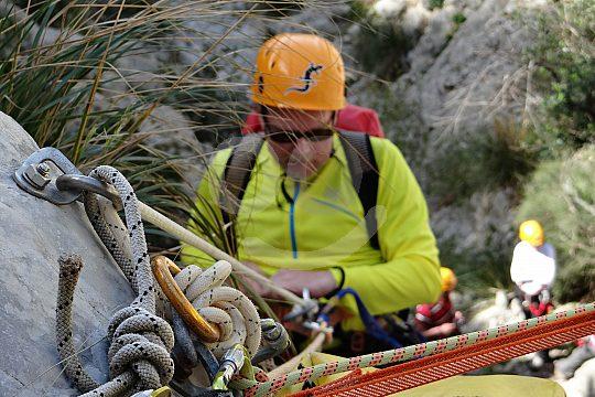 Abseilen beim Trekking auf Mallorca