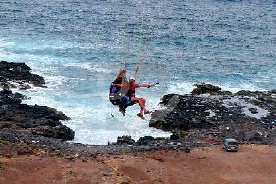 Landung beim Gleitschirm fliegen in Gran Canaria