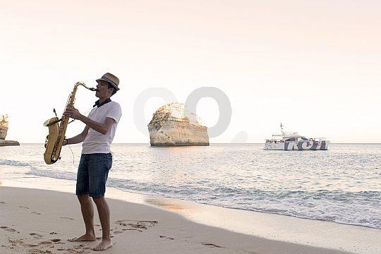 Música en vivo para la barbacoa de playa