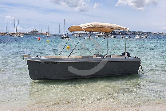 15 PS Boot mieten für 6 Personen auf Mallorca