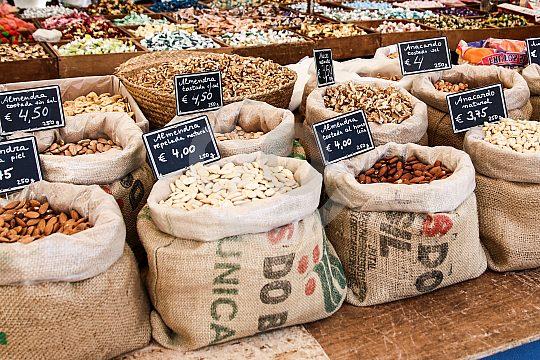 Marktbesuch in Arta