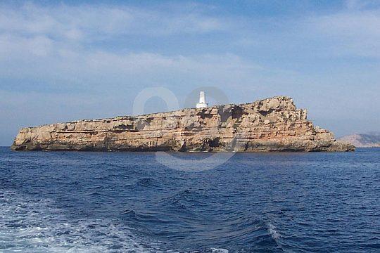 barco de visión submarina pasando las Islas Malgrats