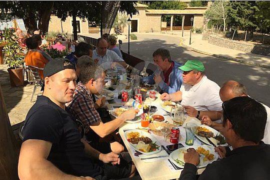 excursión en grupo con todoterreno en Mallorca