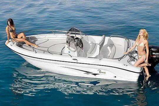 Ranieri Boot in Cala d'Or ohne Führerschein mieten