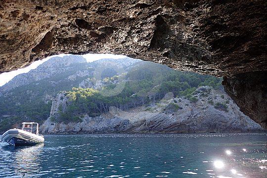 Cueva cerca de Kap Formentor