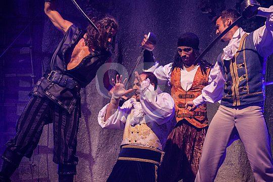 Magaluf show con piratas