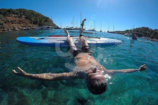 Relajación durante unas vacaciones activas con SUP