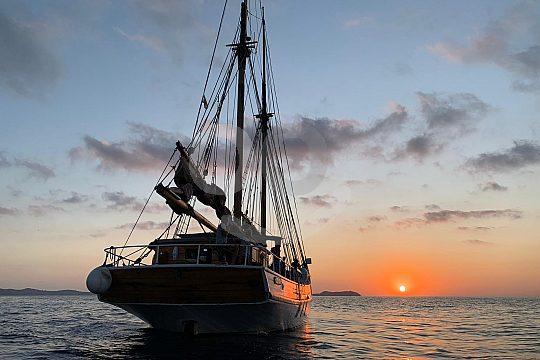 Abendtour auf dem Segelboot ab San Antonio