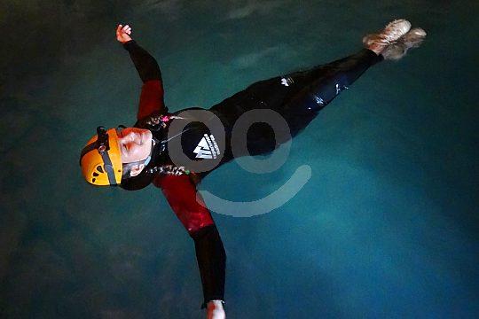 Schwimmen in der Sa Cova del Coloms Höhle Mallorca