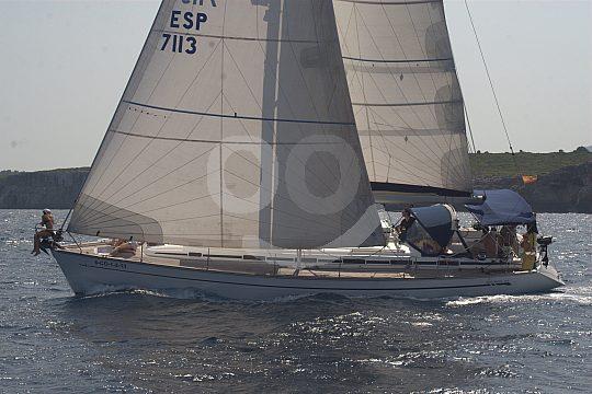 Ayudar a navegar a vela en Mallorca