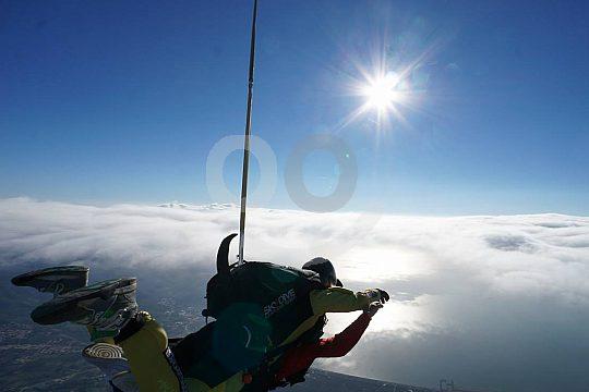 avanzado piloto tandem con paracaídas