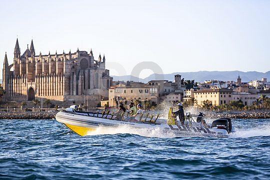 Abenteuer beim Speedboot fahren auf Mallorca