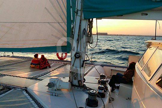 sunset excursión en catamarán