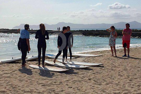 Surf Unterricht bei einem professionellen Surflehrer