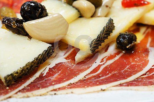 degustación de queso y jamón de España