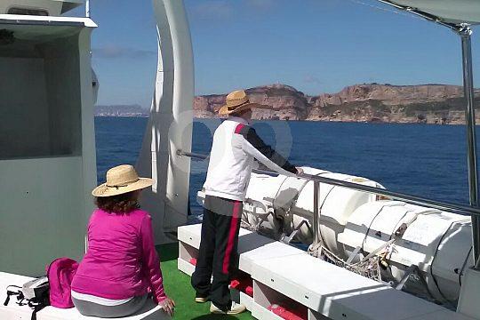 vista de los acantilados y taxi acuático Calpe Altea
