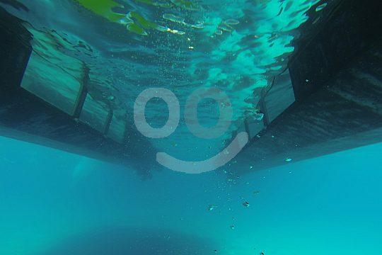 barco con ventanas submarinas