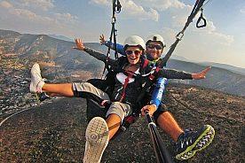 Paragliding an der Costa Dorada in Spanien