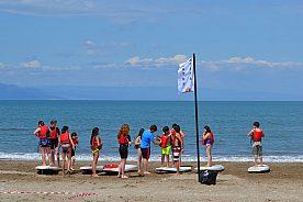 Paddle surf en el Delta del Ebro desde la playa de Riumar en el noreste de España