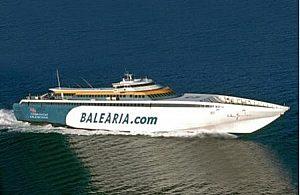 Desde Mallorca: Visita Ibiza ahora, Ferry + Hotel de 2 estrellas.