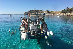 Speedboot Tour ab Bonaire auf Mallora mit Skipper
