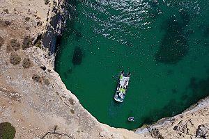 Benagil tour de cuevas desde Albufeira a bordo de un catamarán