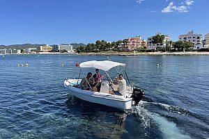 Motorboot ohne Führerschein auf Ibiza mieten