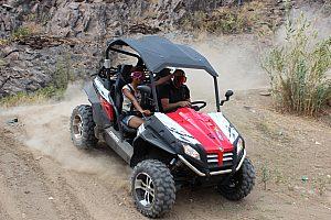 Buggy tour offroad durch die landschaft von Gran Canaria