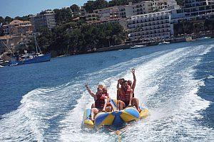 Banana Boot fahren auf Mallorca in Magaluf