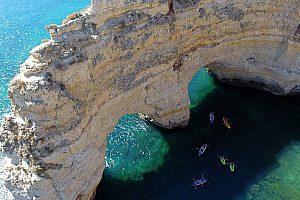 Excursión a la cueva de Benagil en kayak o SUP desde Albufeira
