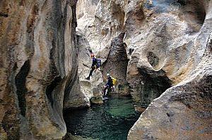 Canyoning Aktivität Wildbach mit Wasser Outdoor Mallorca