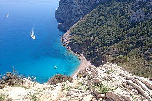 Turismo y Snorkel: Excursión en lancha desde Alcudia por el norte de Mallorca