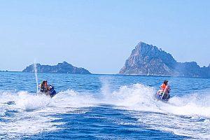 Conducir moto de agua (Jet Ski) en Ibiza sin licencia desde San Antonio