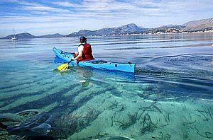 Curso o excursiones en kayak desde Pollensa en el norte de Mallorca