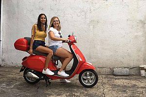 Alquiler de motos en Madrid: Descubra la ciudad en Vespa con la ayuda de un GPS