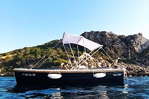 Führerscheinfreies Boot in Sant Elm mieten